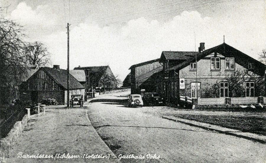 Postkarte (ca. 1938) aus der Dorfmitte.