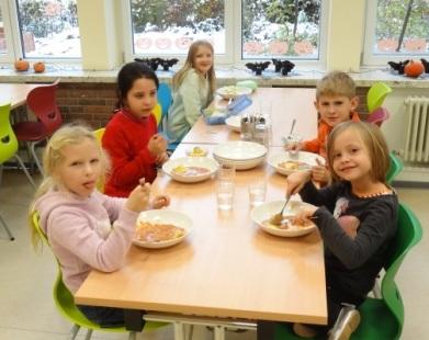 Mittagessen der 2. Klasse