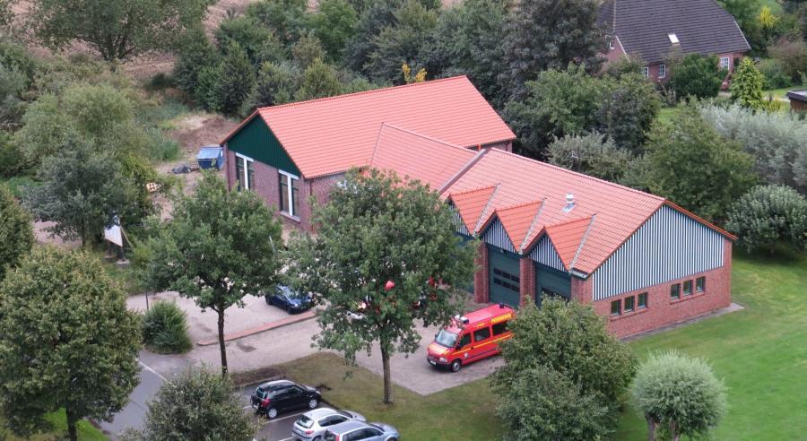 2014 wurde ein Dorfgemeinschaftshaus als Anbau zum Feuerwehrhaus errichtet