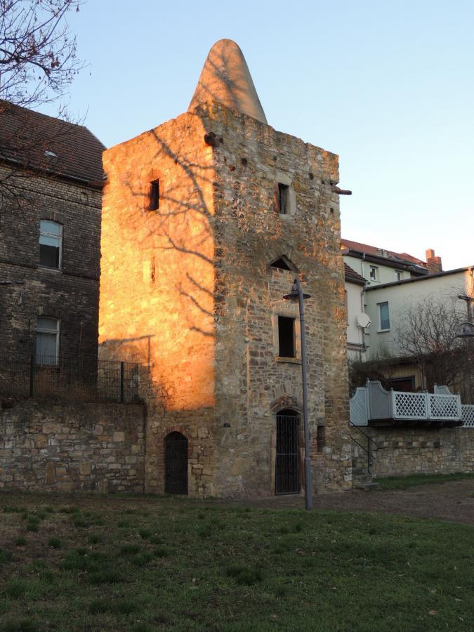 Wehrturm der äußeren Stadtmauer