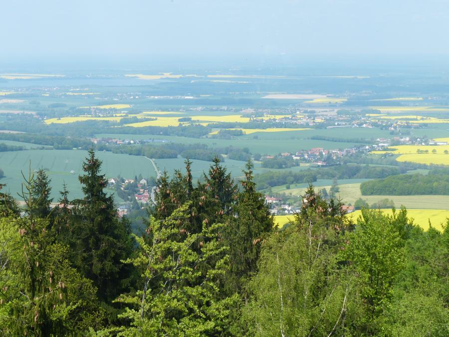 Blick in den Norden der Gemeinde Kubschütz - Im Vordergrund die Ortslage Rachlau