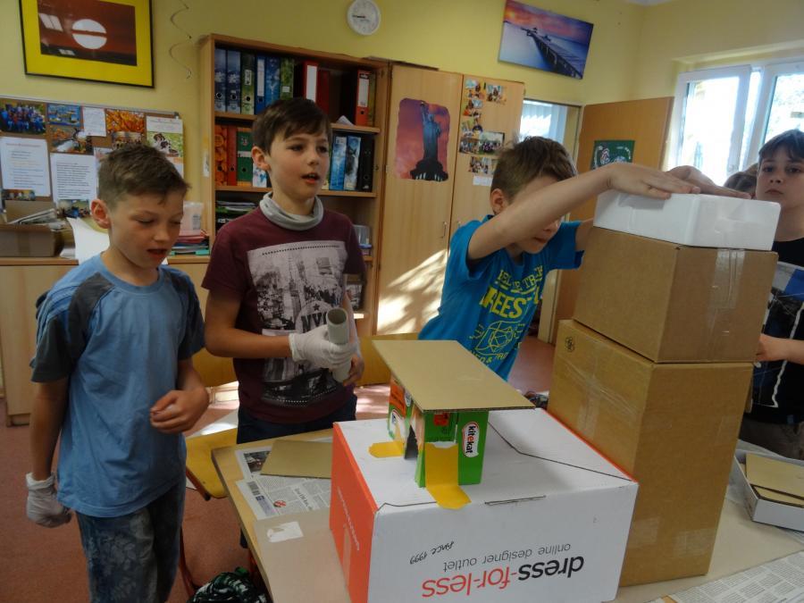Hundertwasser-Projekt der Klasse 6a