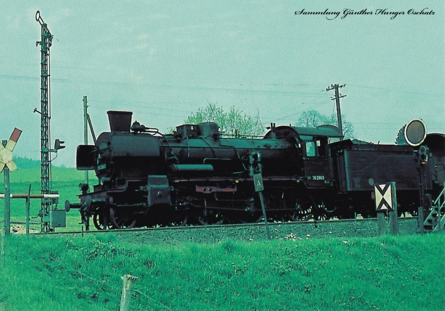 Personenzugdampflokomotive 38 2860 am Einfahrtsignal des Bahnhofes Mittelherwigsdorf