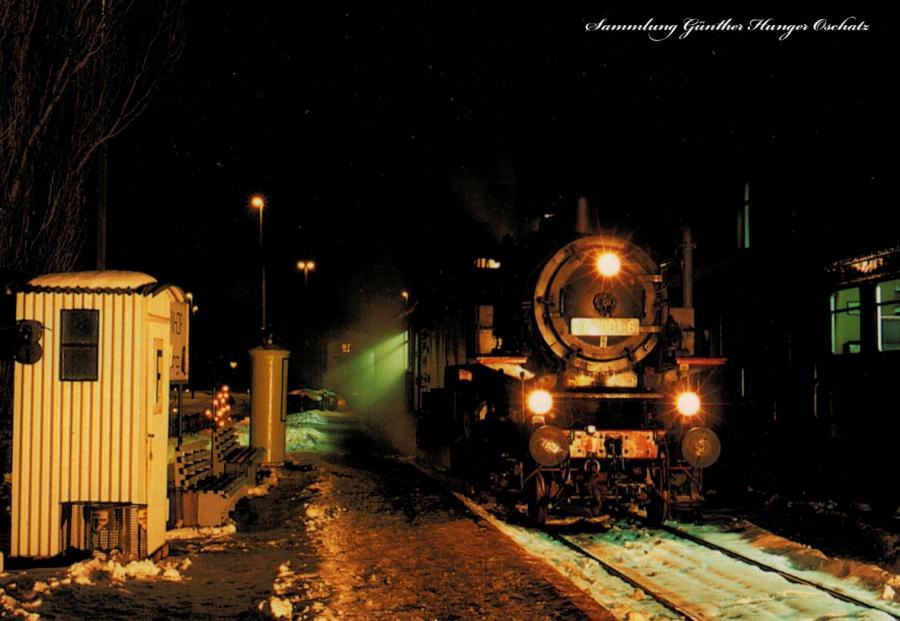 Güterzugtenderlokomotive 86 1001 mit einem Sonderzug im Bf. Schwarzenberg
