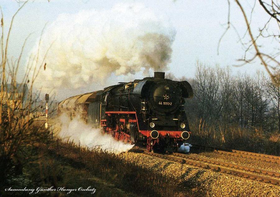 Lok 44 1093 mit Güterzug bei Göschwitz
