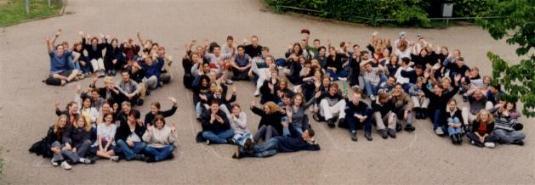 Der gesamte Abschlussjahrgang 2000