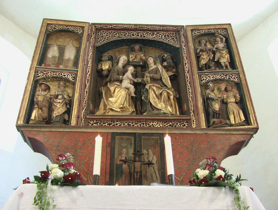 Kirche Altar®Jörg Stingl