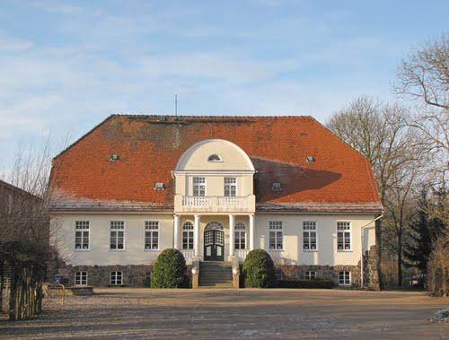 Das alte Gutshaus in Ganzlin war als Schule bis 2010 Lernort für Generationen von Schülern aus allen Ortsteilen der Gemeinde.