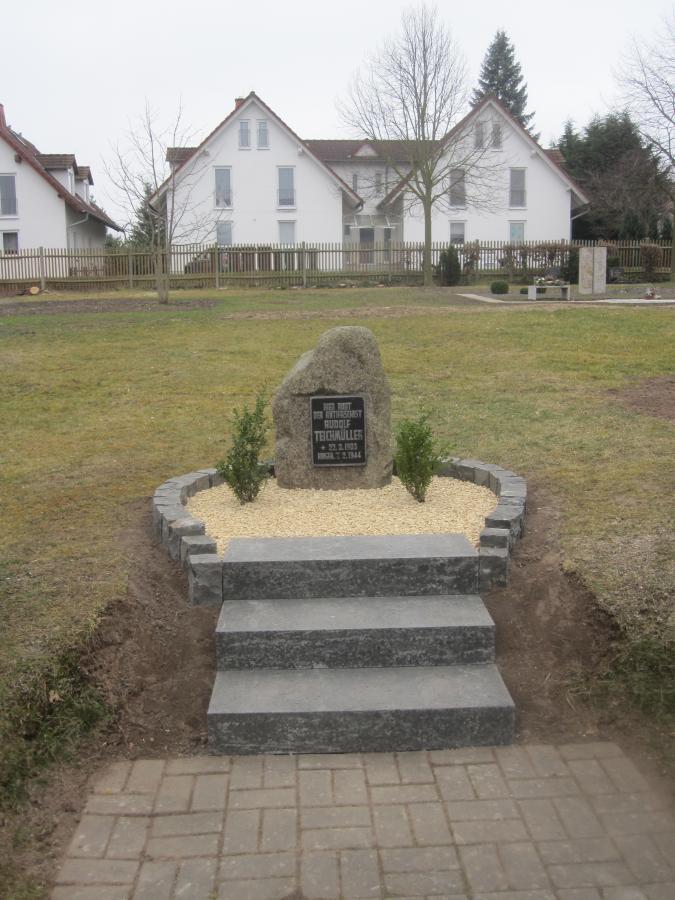 Gedenkstein für Rudolf Teichmüller