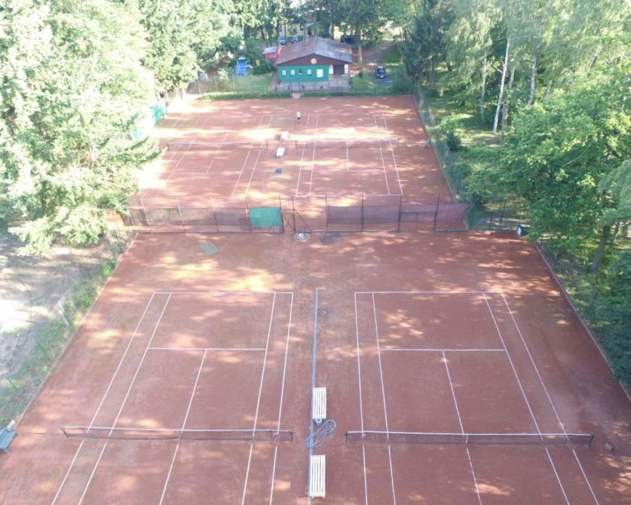Tennisanlage am Klempowasee