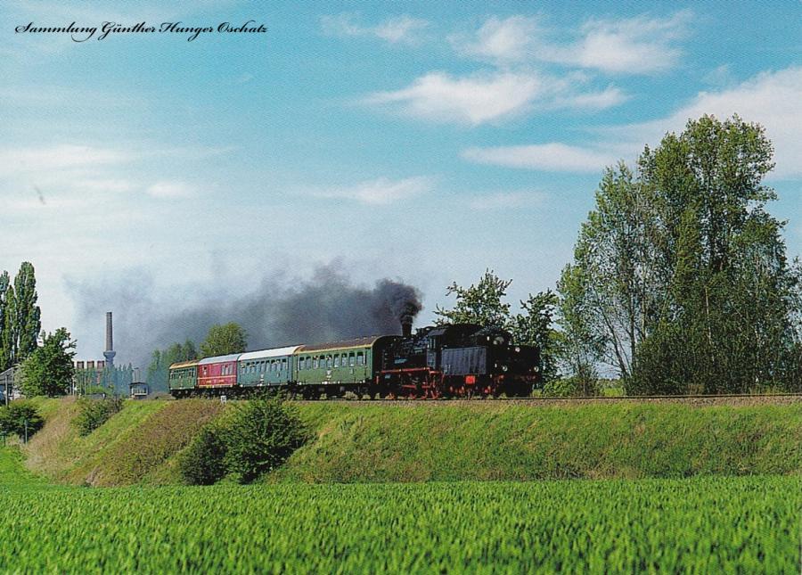 """Personenzugdampflokomotive 38 205 mit einem VSE-Sonderzug anläßlich """"125 Jahre Eisenbahn Chemnitz-Kieritzsch"""" unweit von Neukirchen-Wyhra"""