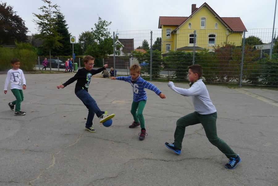Schulhof 5