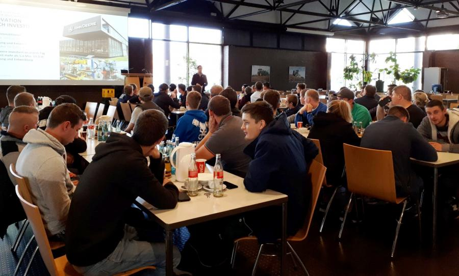 Besuch bei John Deere in Mannheim