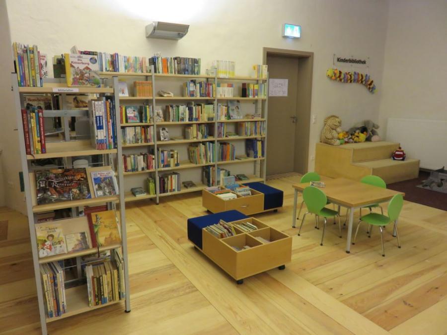 Bibliothek im historischen Gebäude