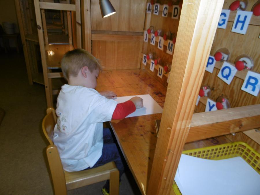 der Bereich: Kennenlernen von Zahlen und Buchstaben