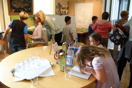Kinder an unserem runden Tisch