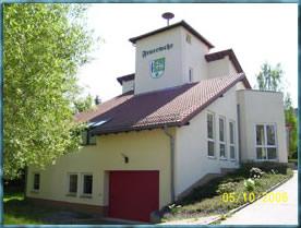 Feuerwehrgerätehaus - im Jahr 1999 erbaut