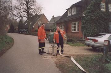 Osterfeuer in Niehuus 08.04.2004 Niehuus Schloßberg