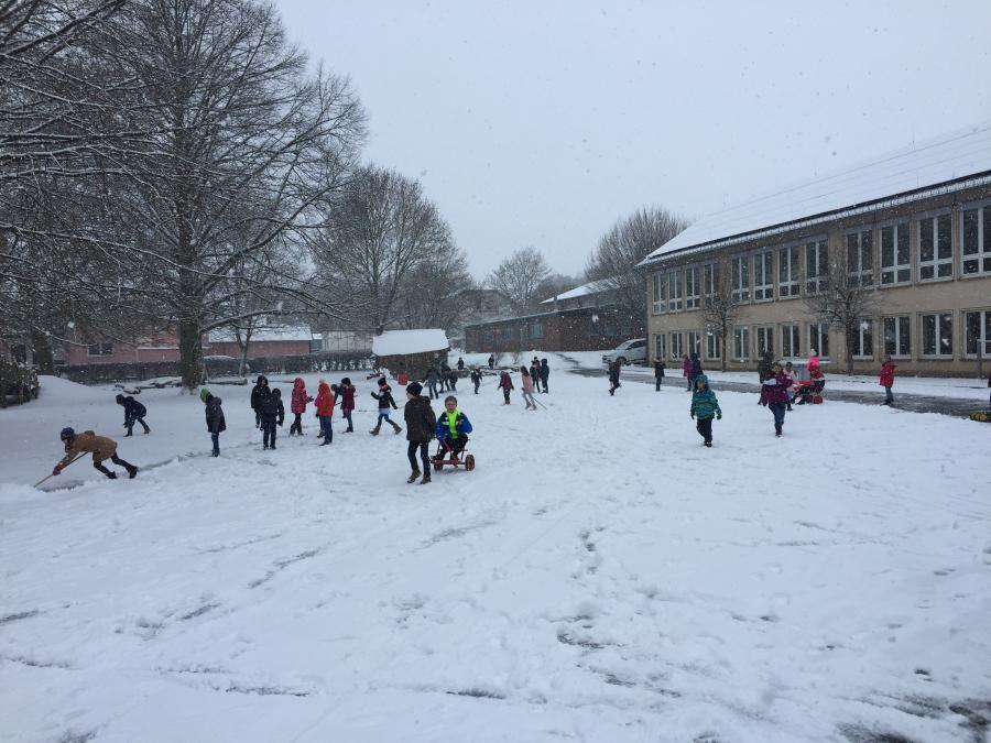 Schnee in der Schule