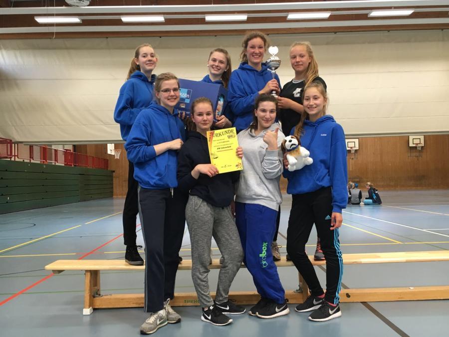 VGE Jugendurnier 1.Platz für BW 96 Juli 2 Mädchen