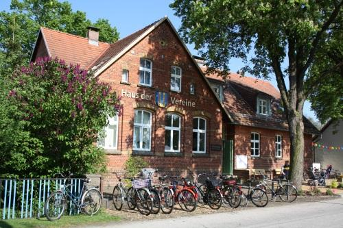 """""""Haus der Vereine"""" in Groß Schacksdorf"""