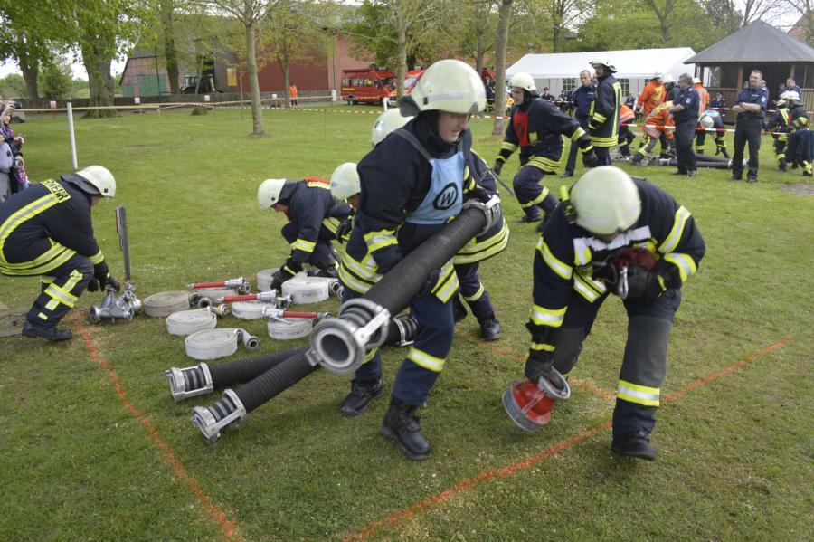 2015-05-09 Amtswehrfest in Krukow 6