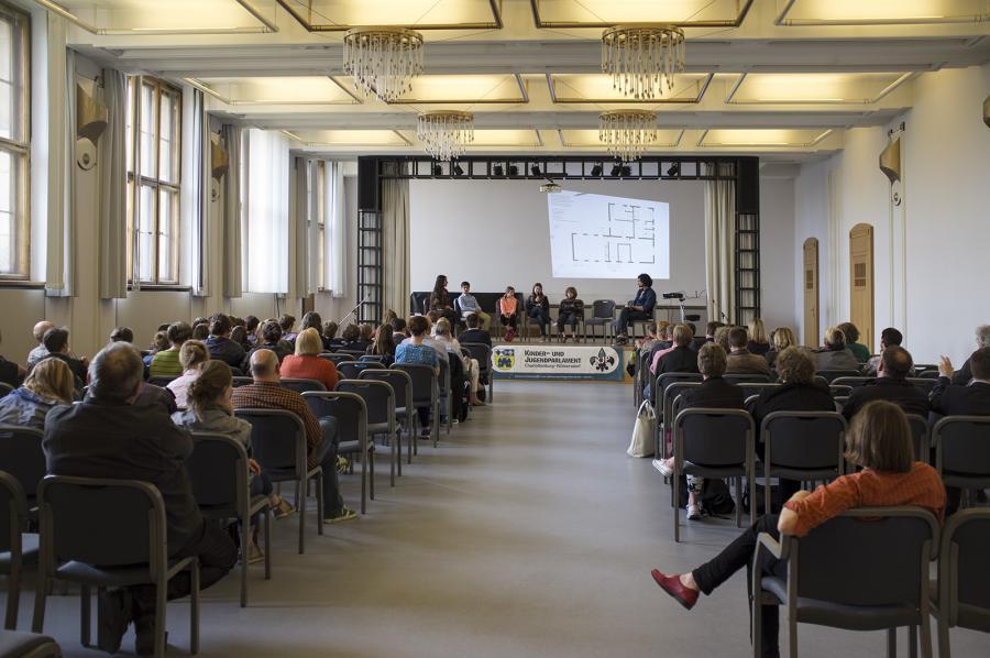Präsentation im Festsaal