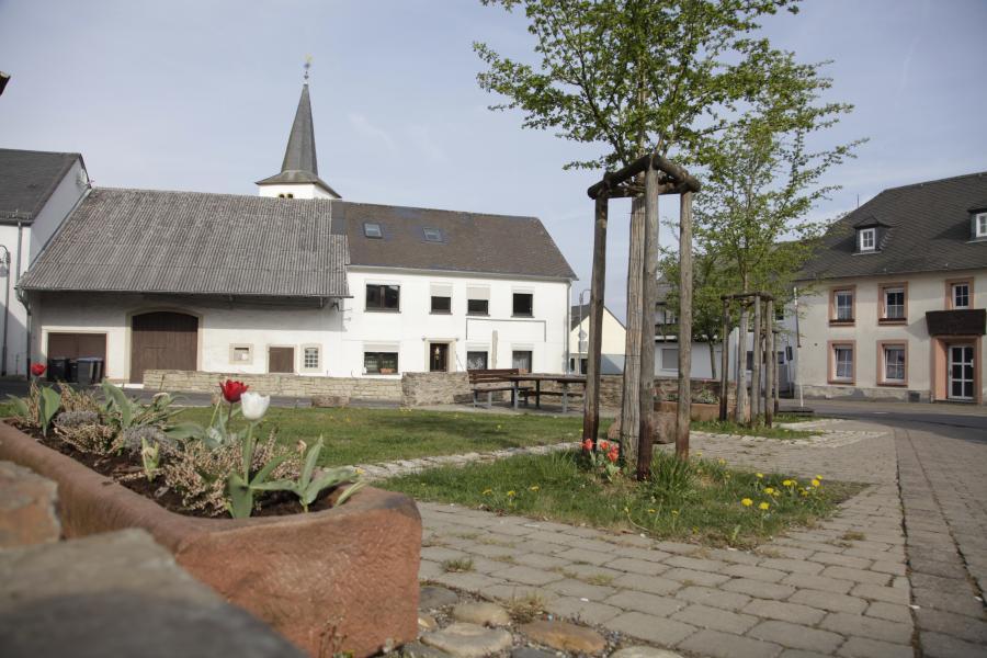 St.-Albanus-Platz in der Ortsmitte