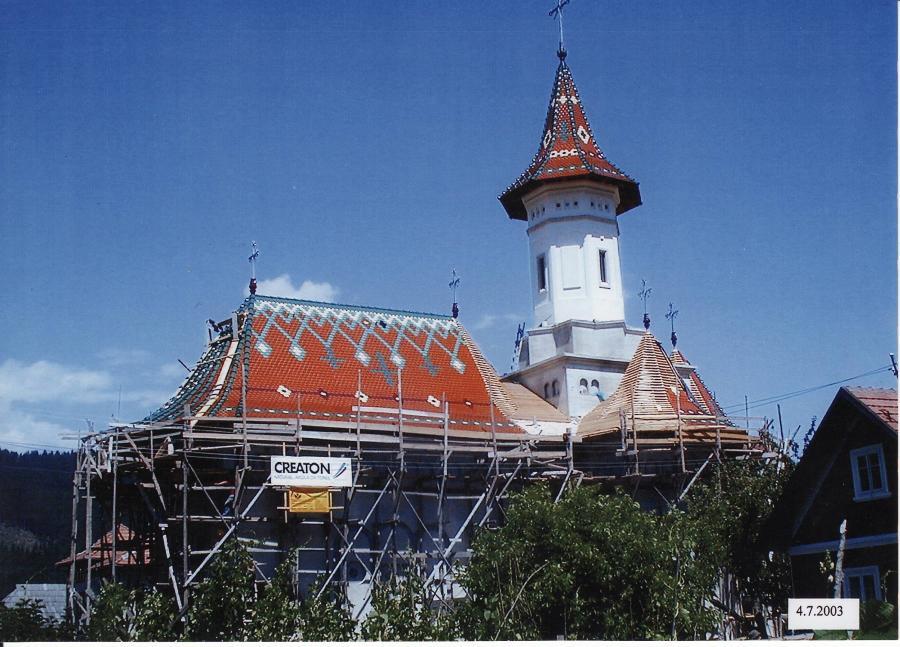 Die orthodoxe Kirche in Rumänien mit dem CREATON-Dach
