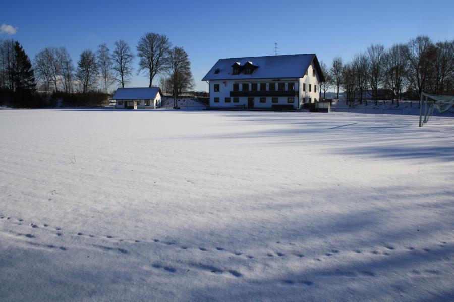 Winter auf dem Sportplatz