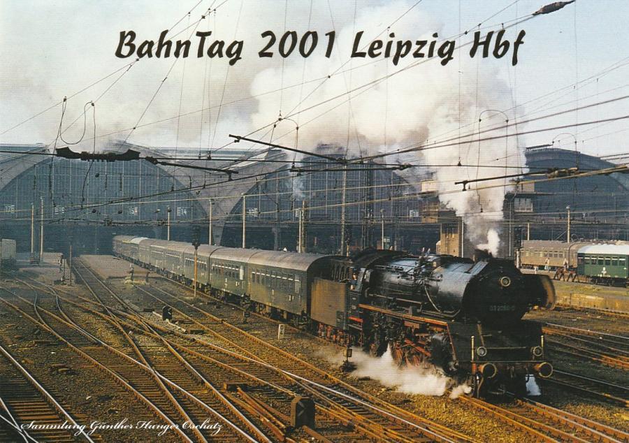 Schnellzugdampflokomotiven 03 2058  verläßt mit D 560 den LeipzigerHauptbahnhof