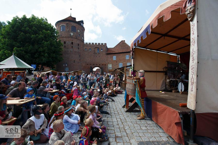 Burgfest 4