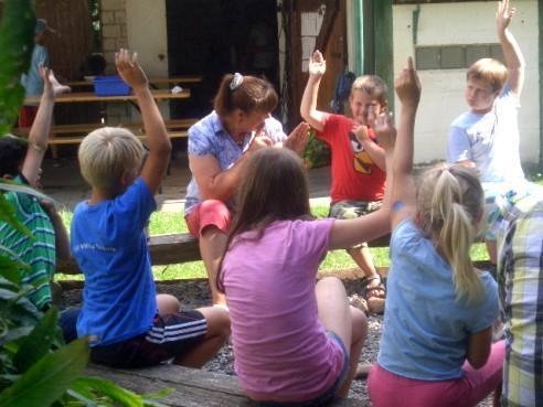 Gemeinsam lernen im Garten