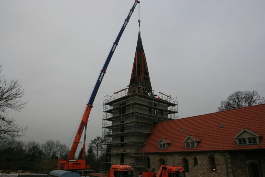 Turmhaube aufgesetzt