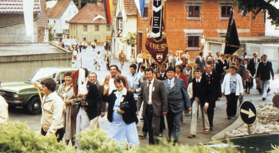Abordnung des RGZV Reisbach beim Gründungsfest in Markt Steinbach 1980
