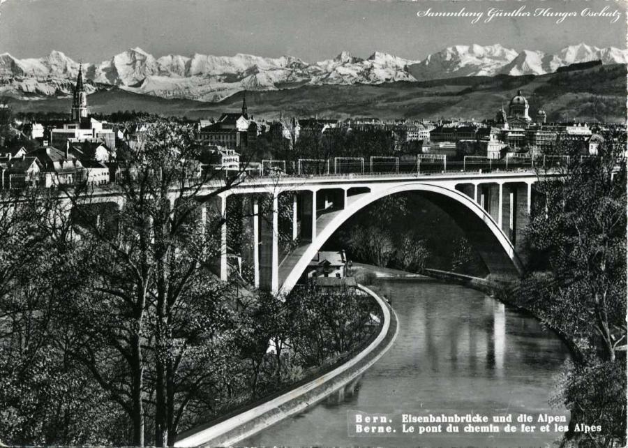 Bern Eisenbahnbrücke und die Alpen
