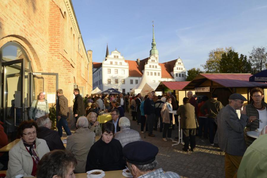 Gourmetmarkt - Händler und Besucher hatten ihre Freude