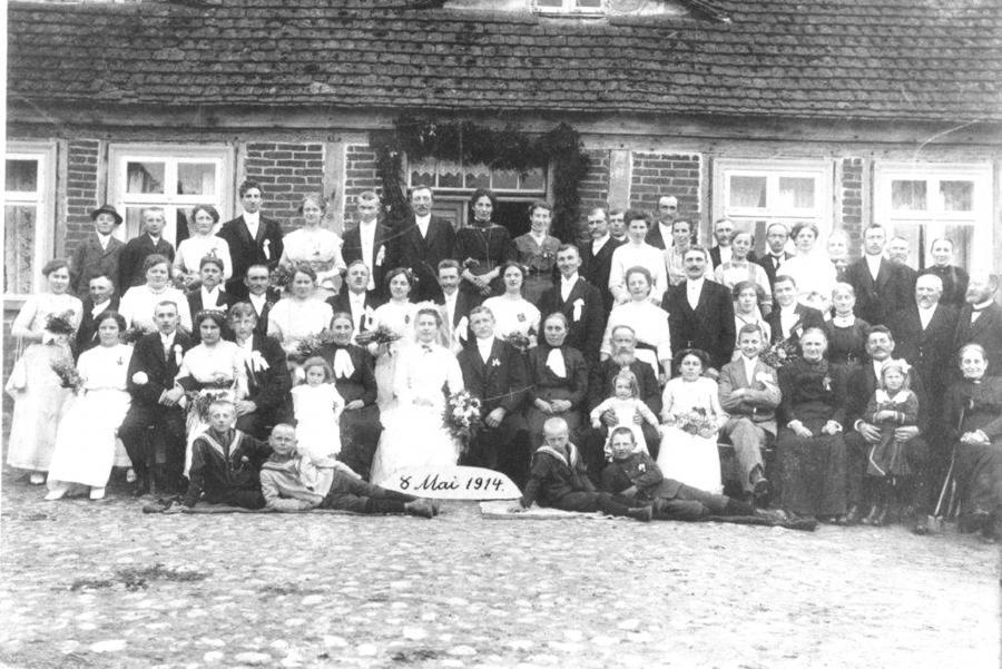 Hochzeitsfoto Martha Kohlmetz und Carl Thürkow am 8. Mai 1914 in Lübkow