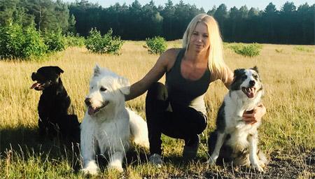 Alice_mit_Hunden