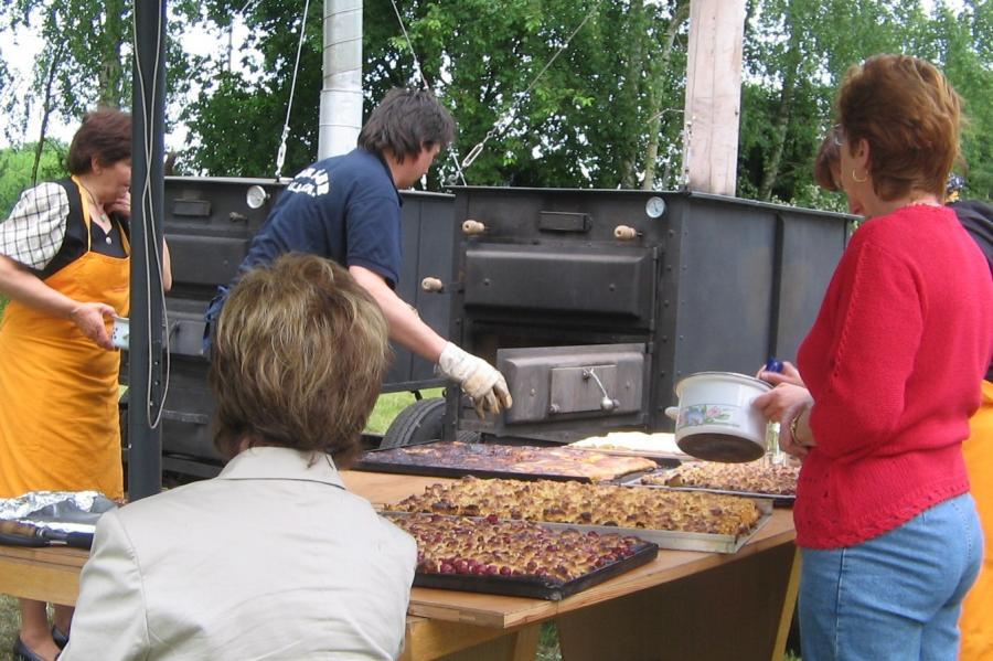 Dorffest Allmosen - Kuchen frisch aus dem Backofen