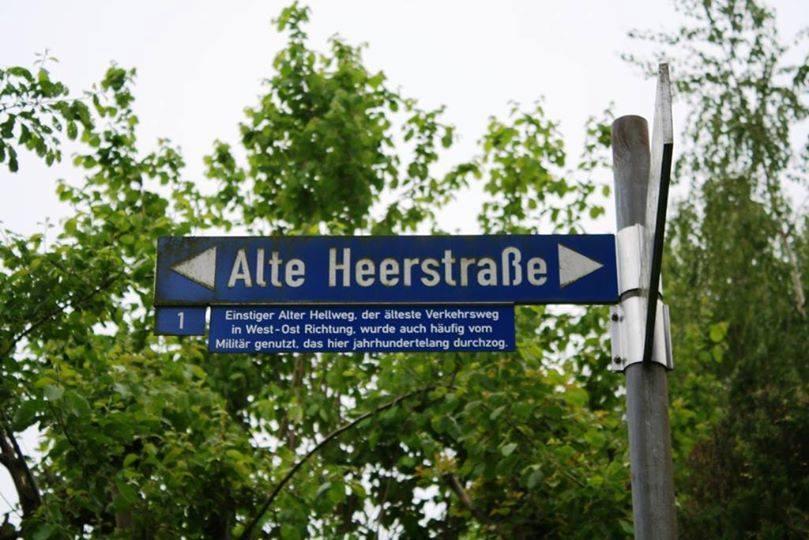 Die Bundesstrasse 1 folgt zwischen Dortmund und Paderborn dem westfälischen Hellweg
