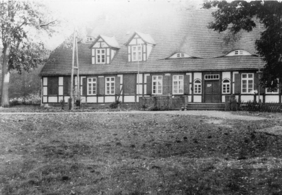 Alter Forsthof Wabel Hauptgebäude -Frontansicht