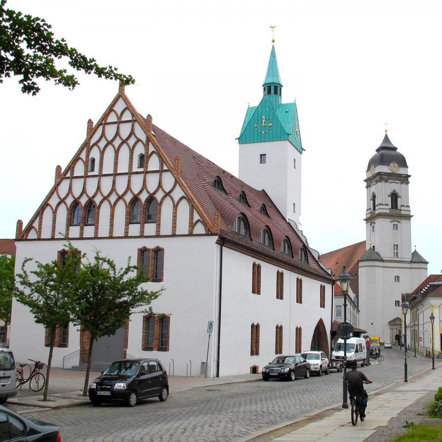Altes Rathaus und St. Marien Dom