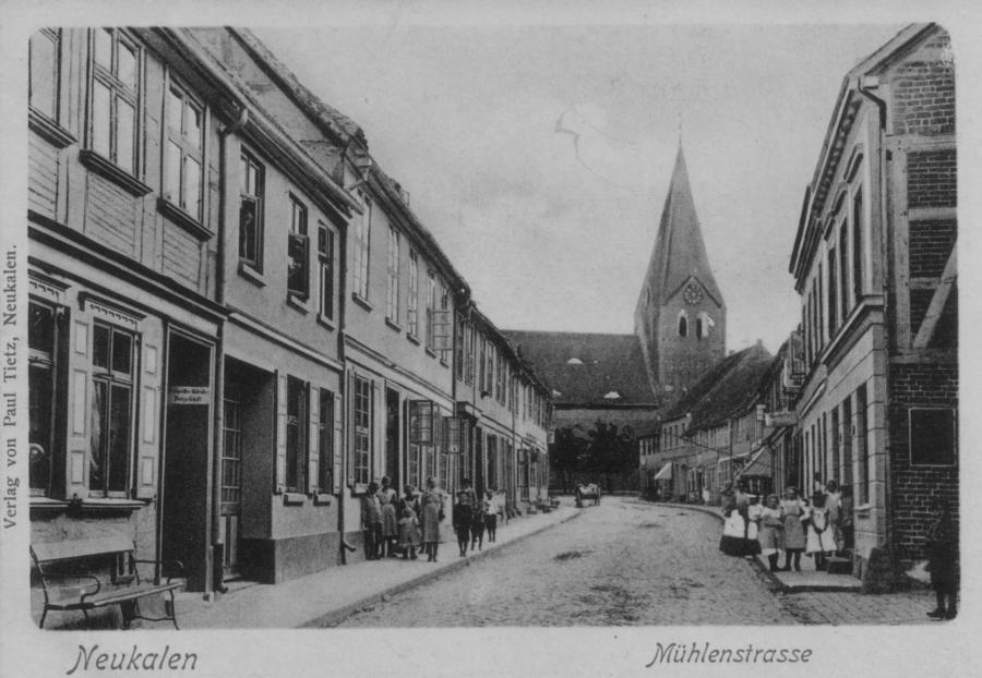 """Ansichtskarte """"Mühlenstrasse"""" um 1900"""