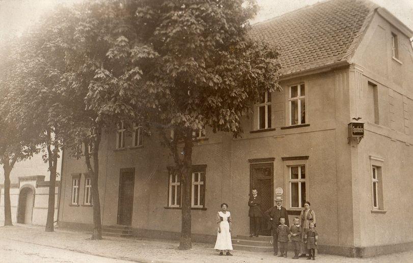 Apotheke Erxleben um 1900