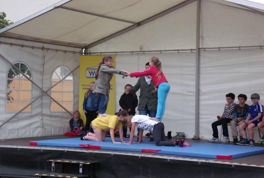 Auftritt der Zirkusgruppe