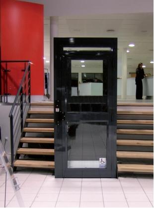 Der Plattformlift Step up bis 2 Meter Förderhöhe