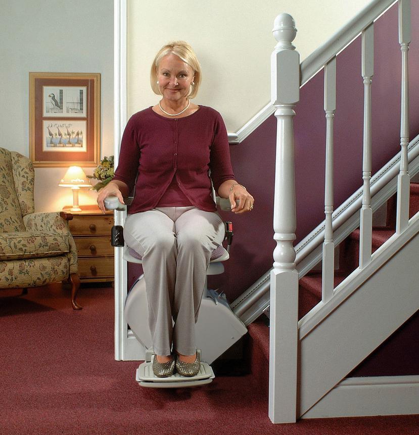 Die Treppenlifte TL Super für Treppenhäuser mit gerader Treppe