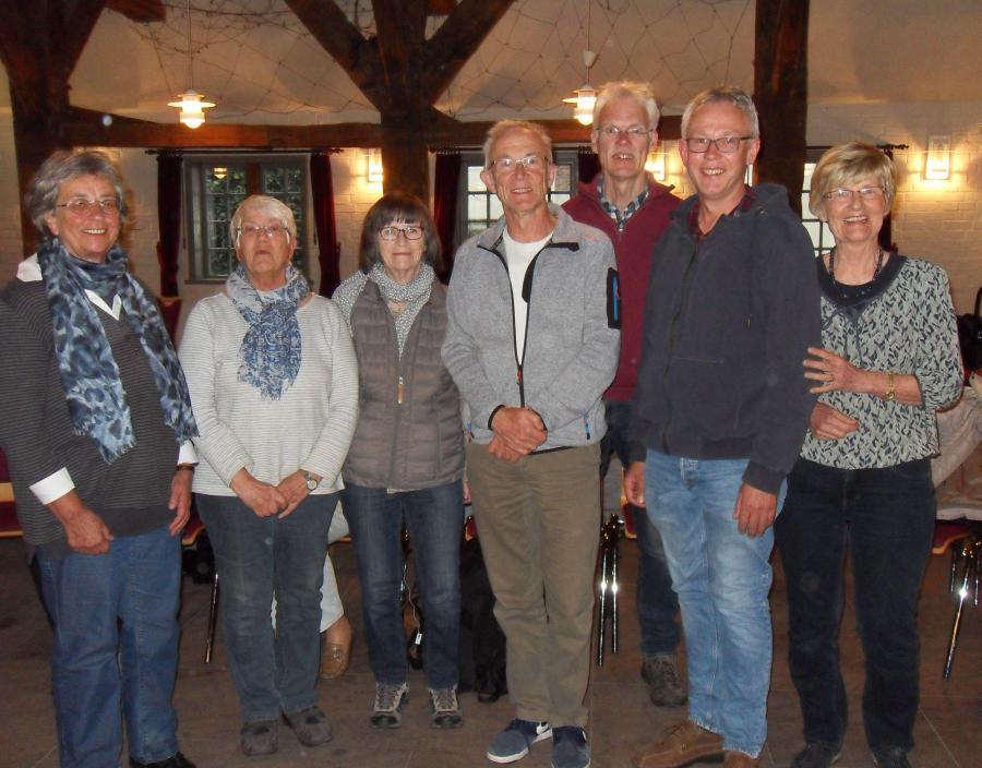 Neuer und alter Vorstand der Singgemeinschaft