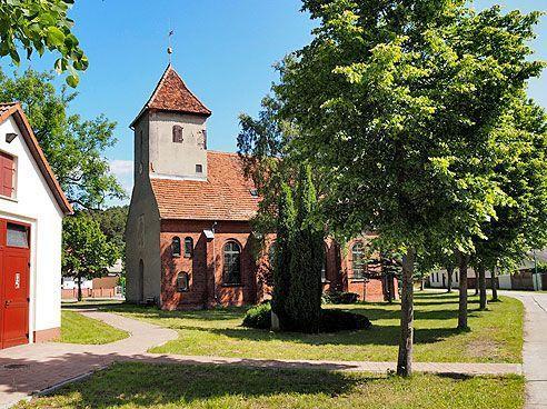 Dorfkirche Göttlin